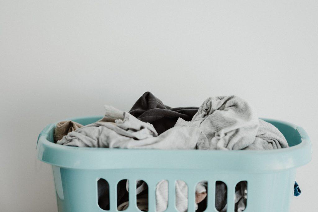 洗濯する衣類を分別する
