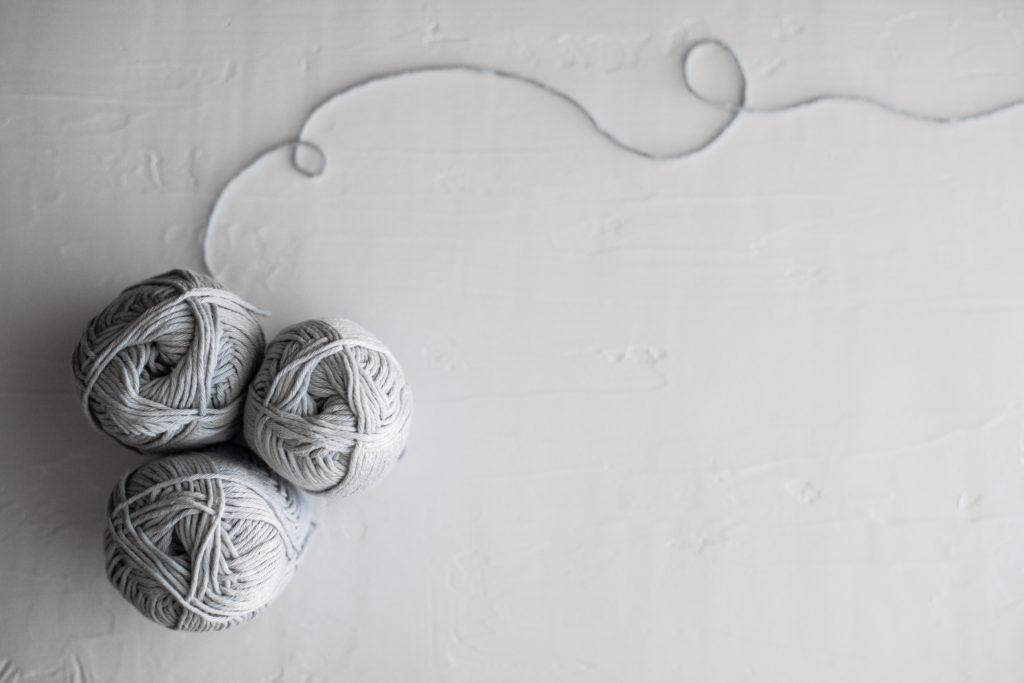 炭繊維とは、備長炭を粉末に繊維に練り込んだ製品です