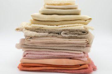 衣類に用いられる主要素材の紹介とそれらの特徴について